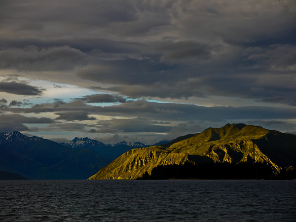 Lake Wanaka sunset.